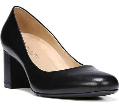 Comfortable pumps for women over 40 | 40plusstyle.com