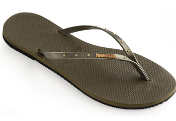 flip flops to wear on a cruise | 40plusstyle.com