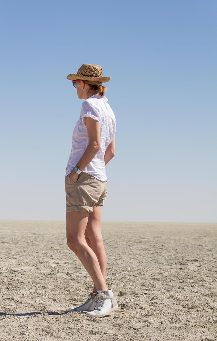 khaki shorts for women | 40plusstyle.com