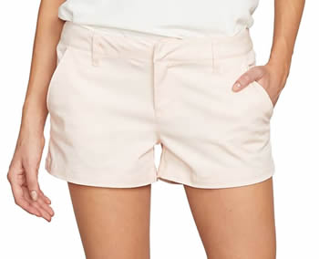 the best pink shorts | 40plusstyle.com
