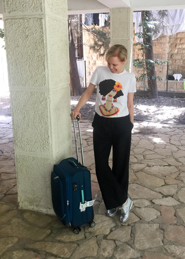 stylish travel clothes for women | 40plusstyle.com