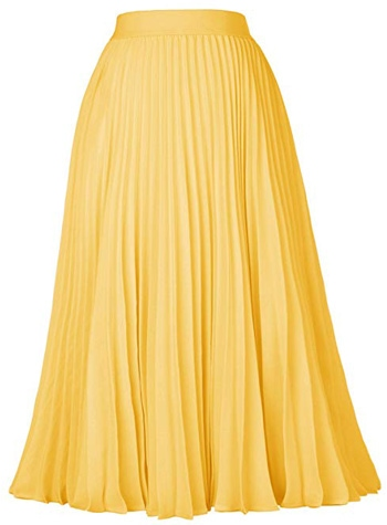 yellow pleated skirt | 40plusstyle.com