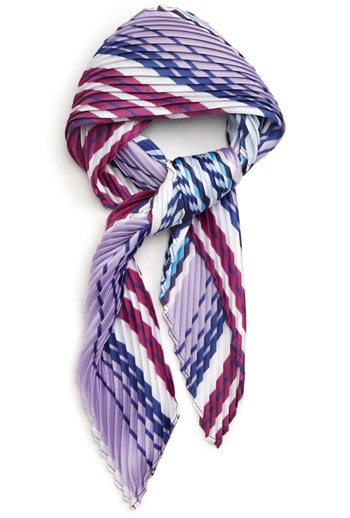 kite scarf | 40plusstyle.com