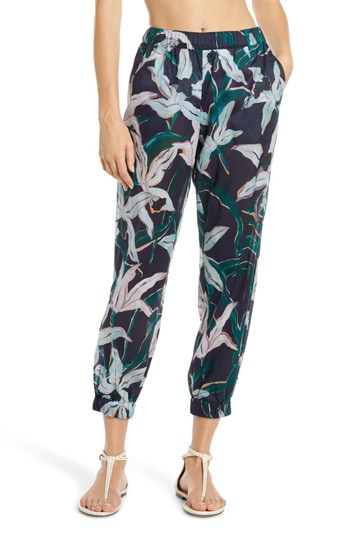 floral patterned pants | 40plusstyle.com