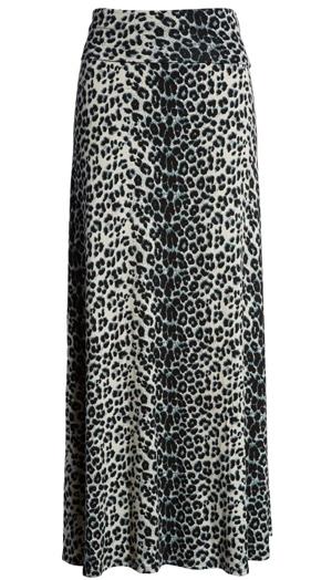 maxi skirt | 40plusstyle.com