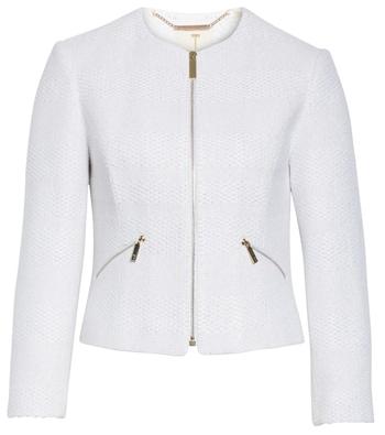 White cropped jacket | 40plusstyle.com