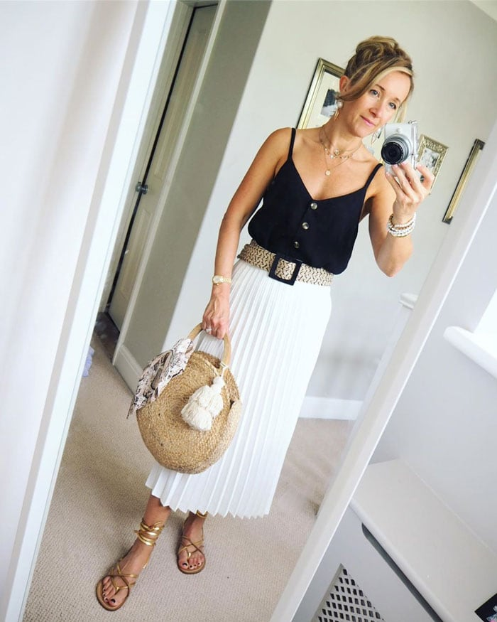 white pleated skirt | 40plusstyle.com