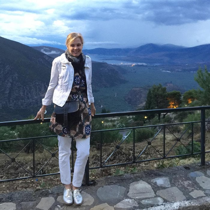Printed top, jacket and white jeans   40plusstyle.com