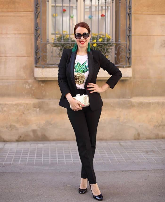 Essential fashion accessory: clutch | 40plusstyle.com