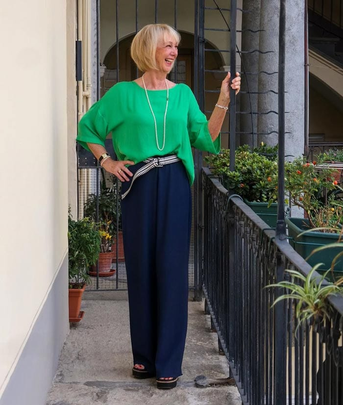 define your waist with wide leg jeans  and pants | 40plusstyle.com