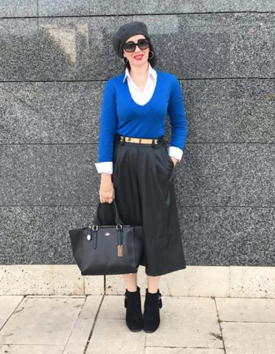 Patricia in a blue sweater with white inner, midi skirt, boots and beret | 40plusstyle.com