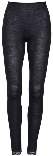 Hanro wool & silk lace loungewear | 40plusstyle.com