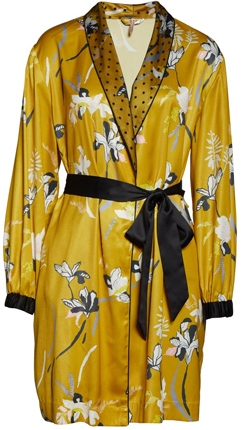 gift ideas for women - robes | 40plusstyle.com