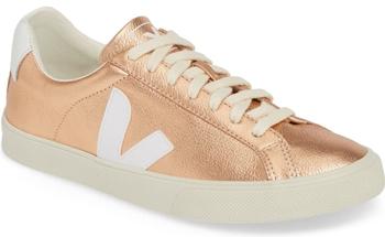 Veja Esplar sneaker | 40plusstyle.com