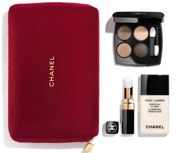 Chanel Catch the Light makeup set | 40plusstyle.com