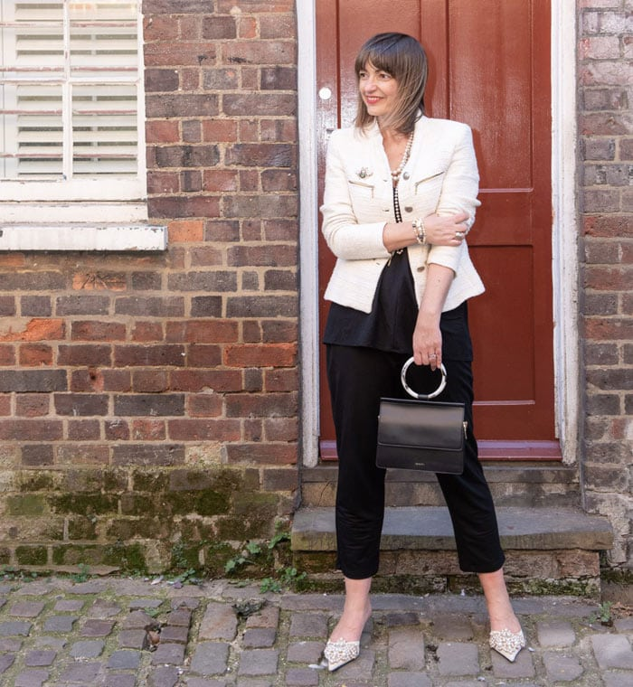 A monochrome look from Lizzi Richardson | 40plusstyle.com