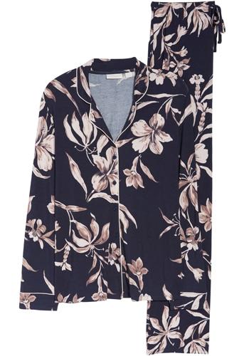 Christmas gift ideas for women: Nordstrom Lingerie moonlight pajamas | 40plusstyle.com