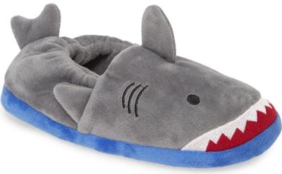 Christmas slippers for children | 40plusstyle.com