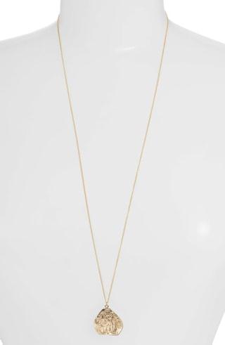 Set & Stones long pendant necklace | 40plusstyle.com