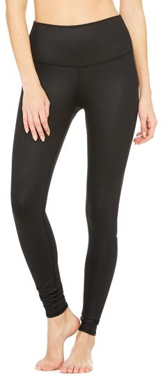 Tummy control leggings: Alo yoga high waist airbrush leggings   40plusstyle.com