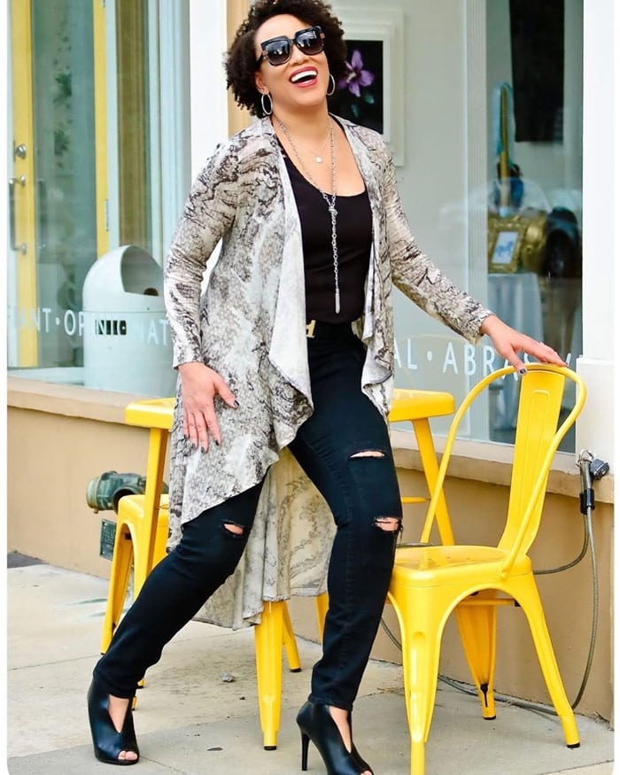 Erica wearing a snakeprint cardigan | 40plusstyle.com