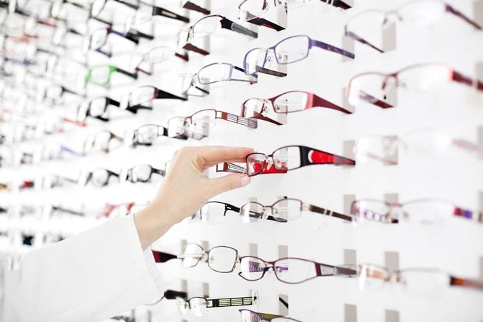 Eyewear shops online   40plusstyle.com