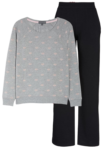 Fleece is a good fabric choice for warmth at night | 40plusstyle.com