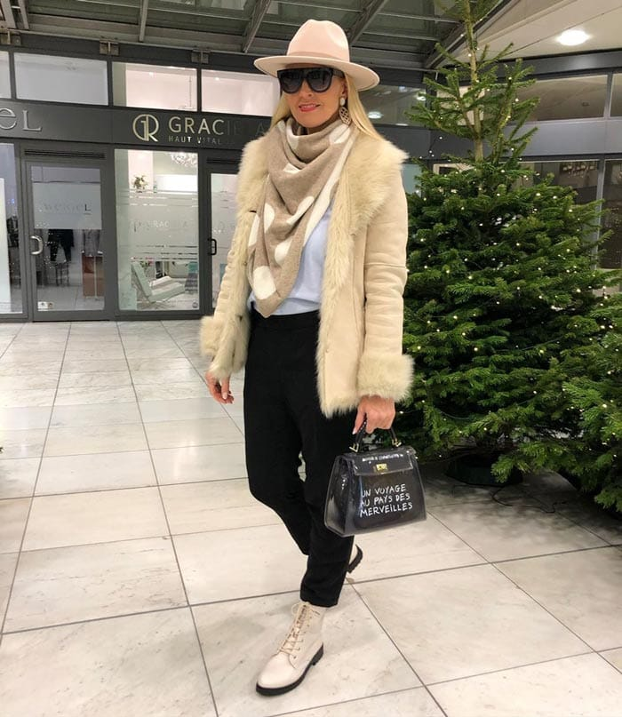 How to wear a hat | 40plusstyle.com