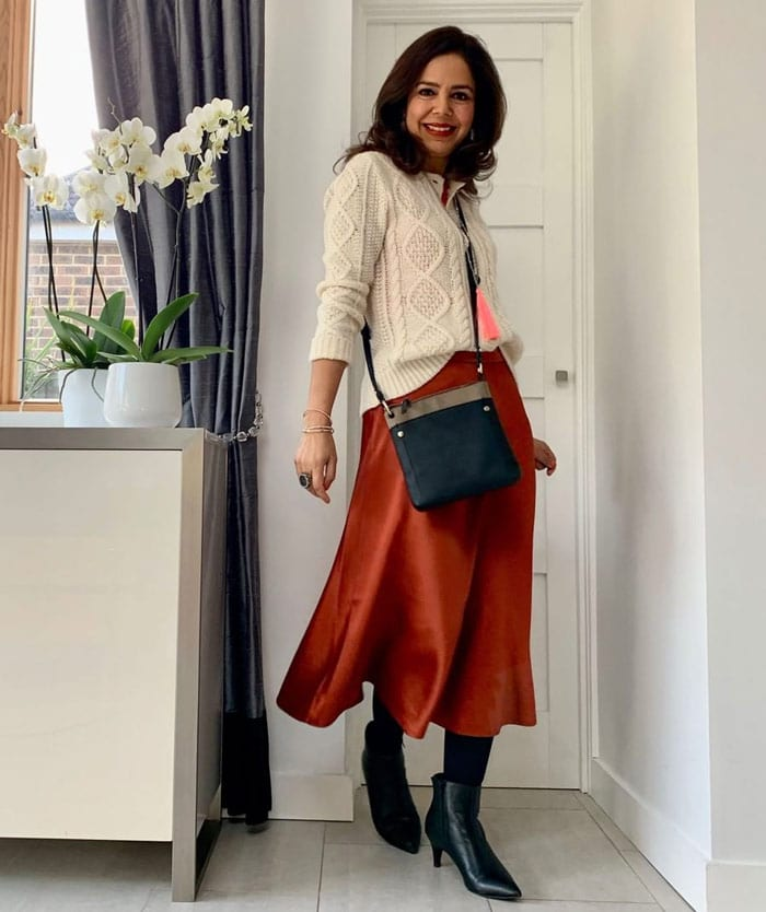 what to wear for valentines day in a satin skirt | 40plusstyle.com