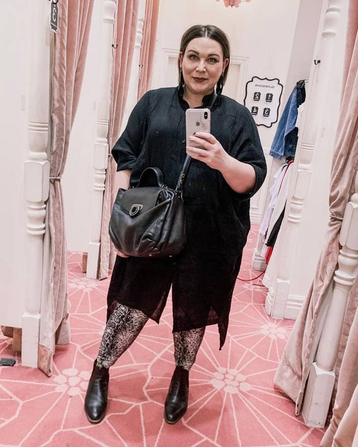 Sara wearing a tunic dress and leggings | 40plusstyle.com