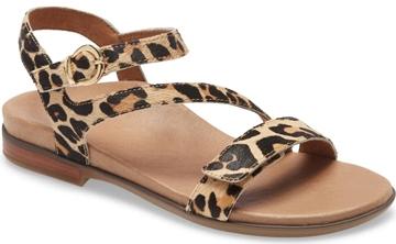 sandals for heel pain - Aetrex 'Tia' sandal | 40plusstyle.com