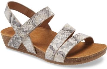 best shoes for plantar fasciitis - Comfortiva 'Gardena' strappy sandal | 40plusstyle.com