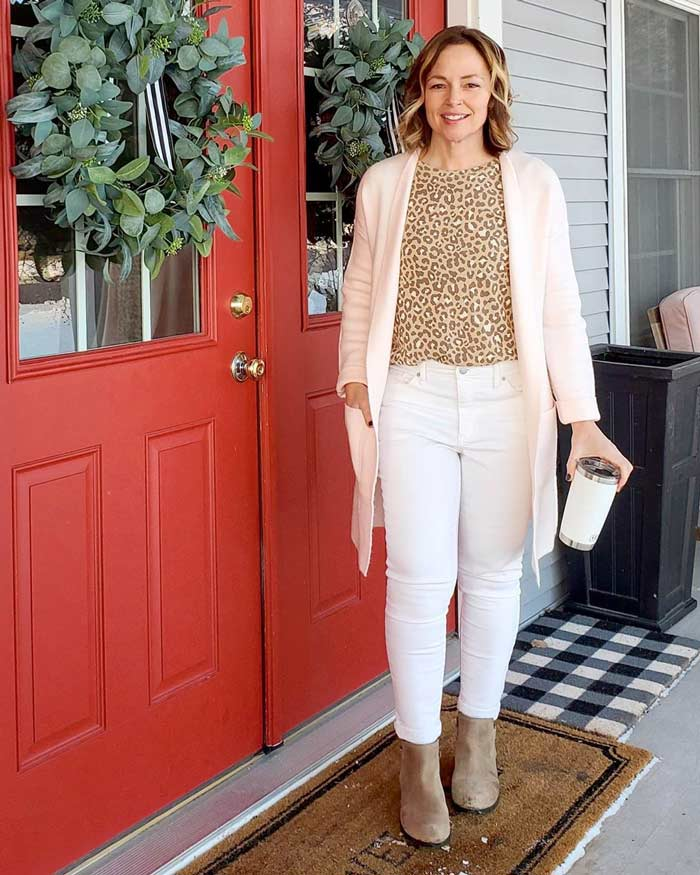 wearing white and leopard print for spring | 40plusstyle.com