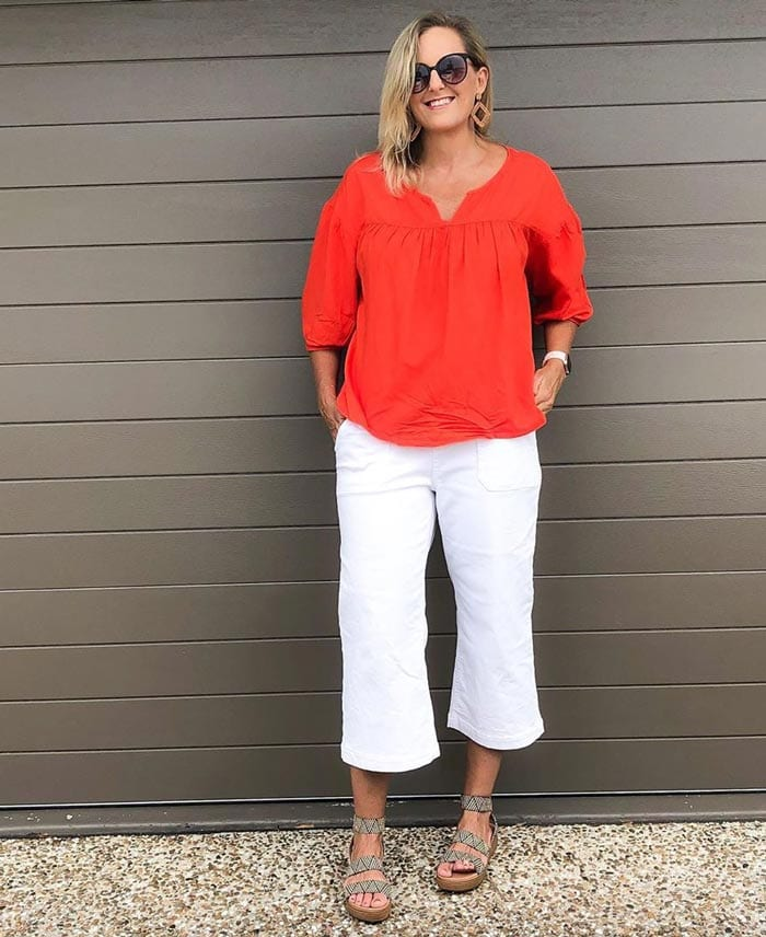 red and white is a perfect combination for spring | 40plusstyle.com