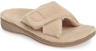 Vionic 'Indulge' relax slipper | 40plusstyle.com