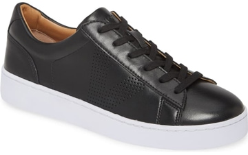 Vionic 'Honey' sneaker | 40plusstyle.com