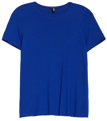 wardrobe essentials - Eileen Fisher jersey tee | 40plusstyle.com