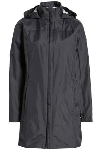 best raincoats for women - Patagonia waterproof raincoat | 40plusstyle.com