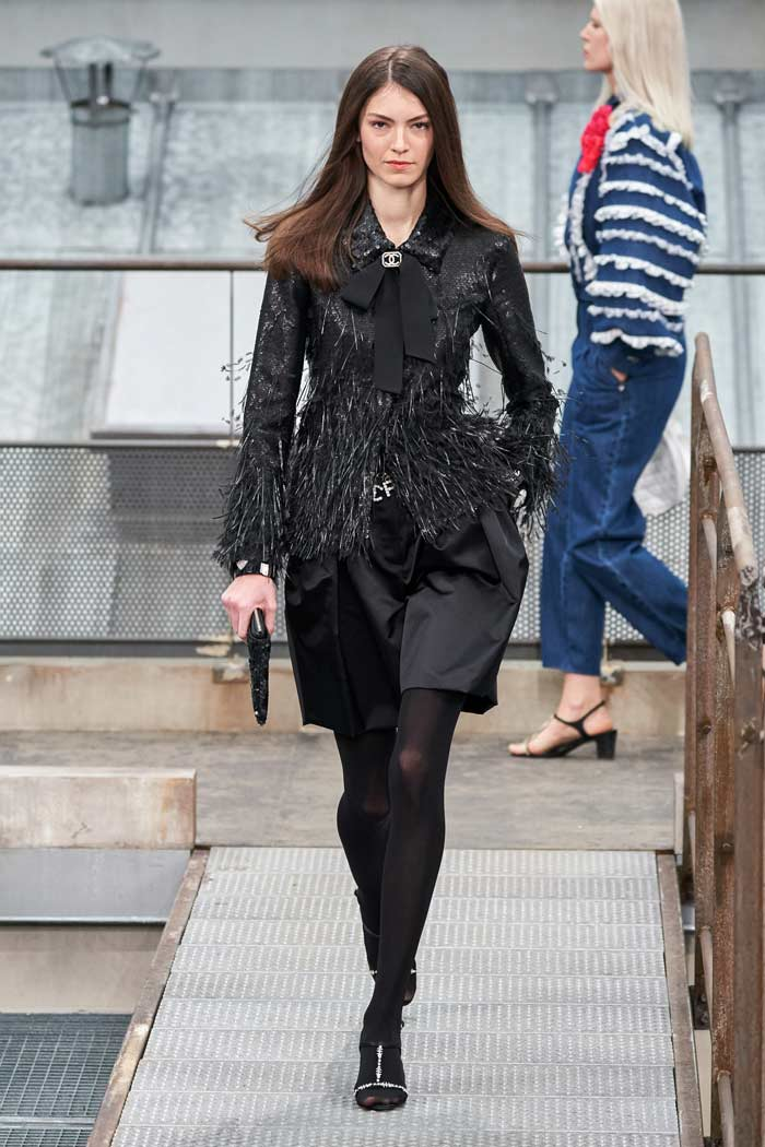 Chanel runway look | 40plusstyle.com