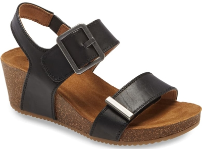 Best women's sandals - Black Sandals for women over 40 | 40plusstyle.com