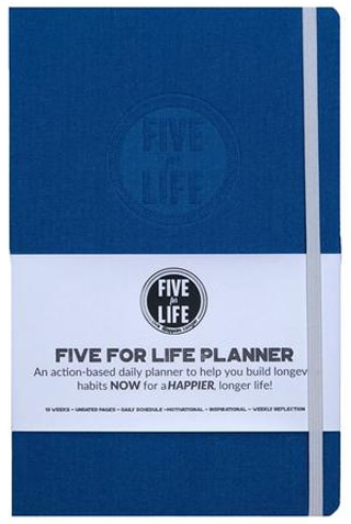 Gift ideas for women - a planner | 40plusstyle.com