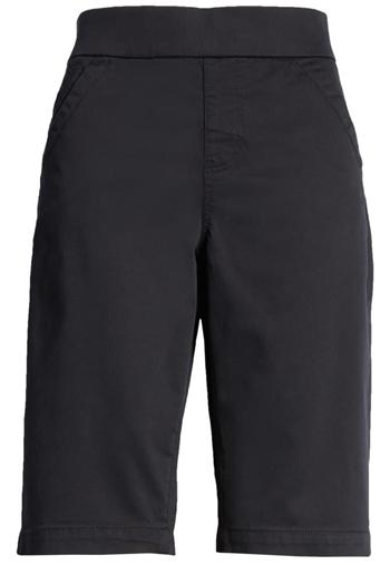 Black shorts | 40plusstyle.com