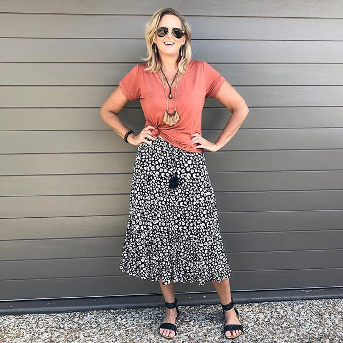 a knot t-shirt with a midi skirt | 40plusstyle.com