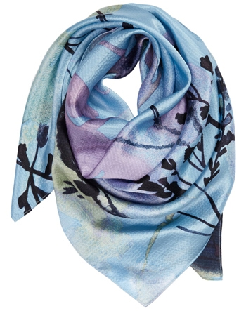 gift ideas for women - silk scarf | 40plusstyle.com