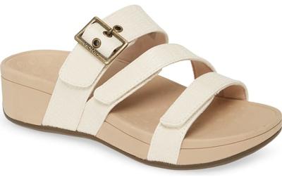 best women's sandals -Vionic 'Rio' sandal | 40plusstyle.com