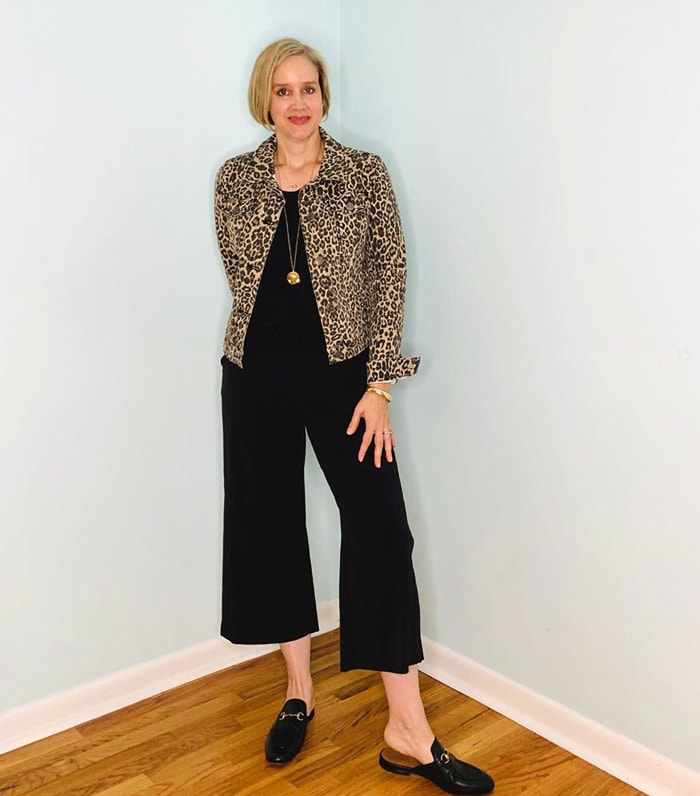 use a short jacket to look taller and slimmer | 40plusstyle.com