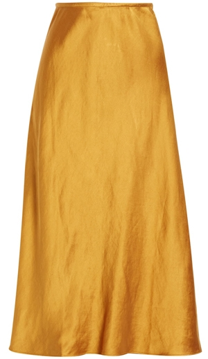 The perfect yellow skirt | 40plusstyle.com