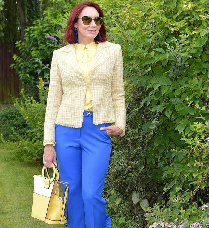Blue and yellow outfit | 40plusstyle.com