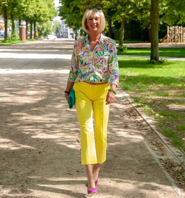 How to wear yellow different ways and color combinations
