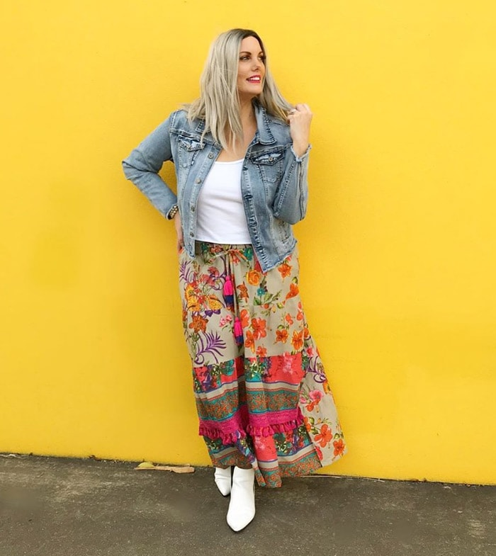 teaming your summer skirt with a denim jacket | 40plusstyle.com